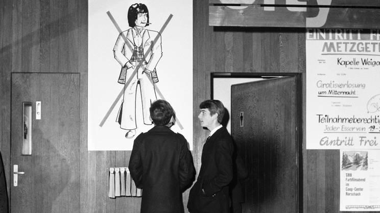 San Gallo, 1966: un cartello vieta l'entrata agli hippies