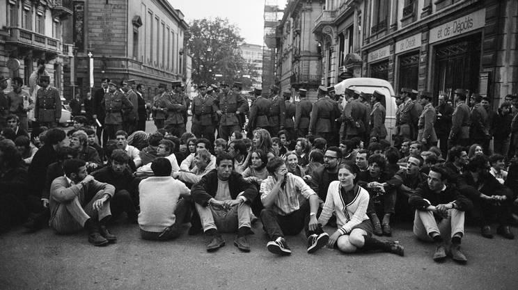 Ginevra, maggio 1968: manifestazione giovanile contro l'esercito