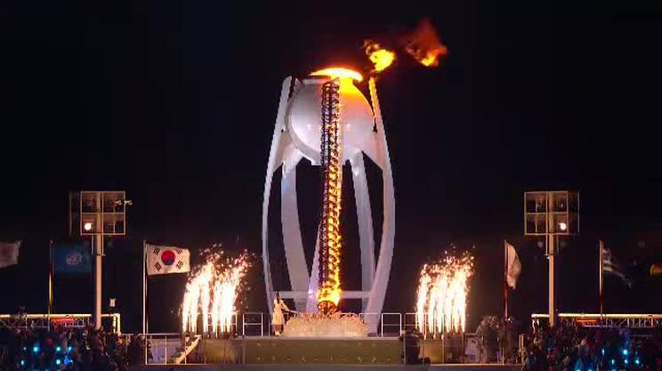 L'accensione del braciere olimpico a PyeongChang
