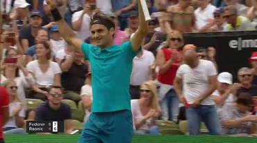 ATP Stoccarda, il match point di Federer - Raonic (17.06.2018)