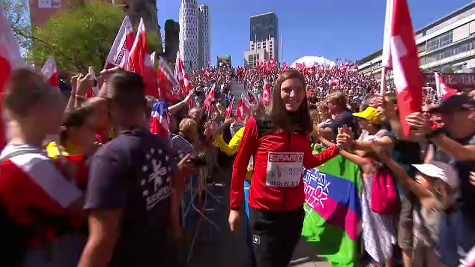 European Championships, la premiazione di Lea Sprunger (11.08.2018)
