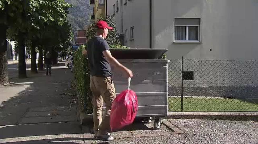 10.10.2018: Bellinzona, la plastica nel sacco (rosso)