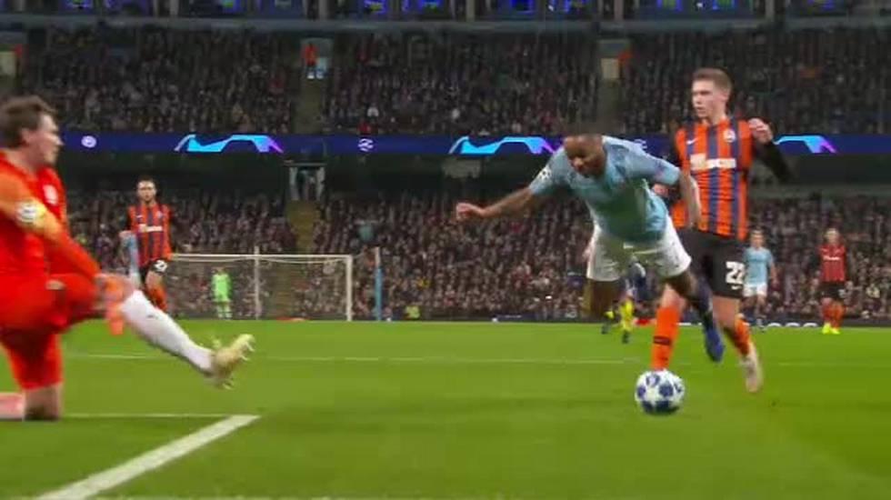Champions League, l'incredibile rigore regalato al Manchester City (07.11.2018)