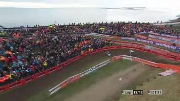 Mondiali di ciclocross, la clamorosa caduta di Toon Aerts (03.02.2019)