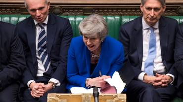 Brexit, sfiducia respinta