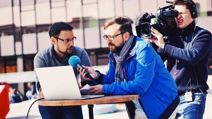 Adrian Camartin (RTR) ha condotto la diretta dal Politecnico di Zurigo