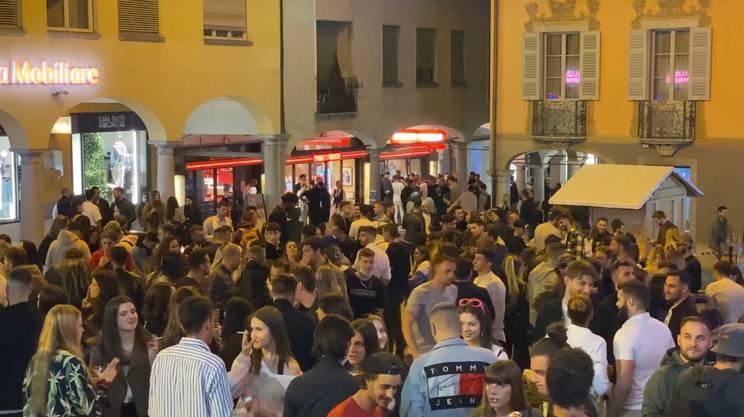 Circa duecento persone in Piazza Cioccaro