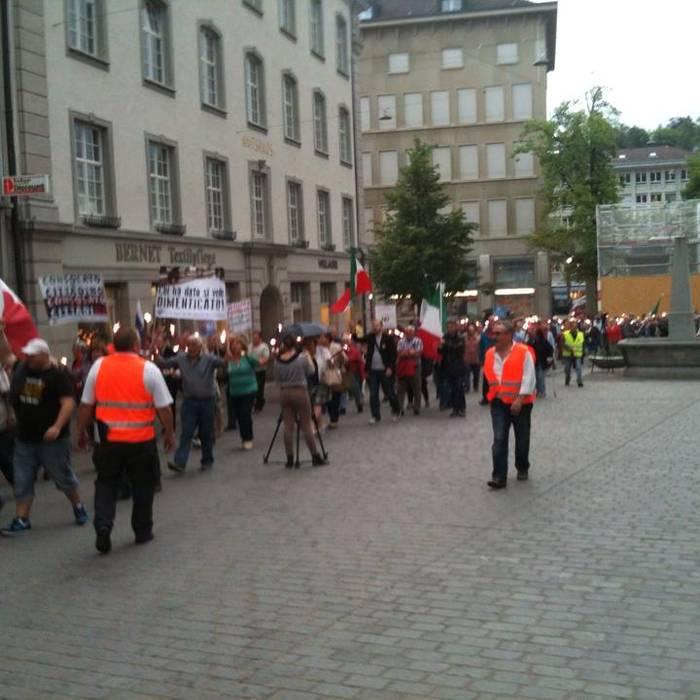 Diverse centinaia di persone hanno partecipato alla manifestazione