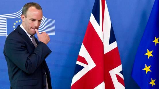 Brexit, lascia un ministro