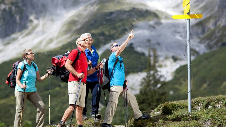 Escursionismo, Terza età, Montagna, Alpi, Persone, Donne, Sport, Natura, Zaino da montagna