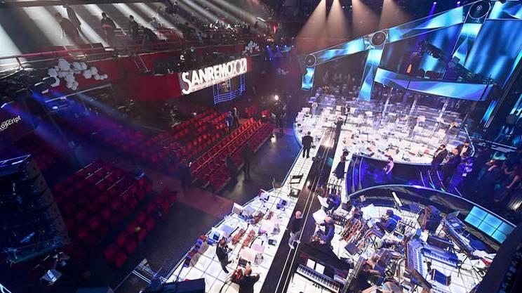 Il palco e la sala senza pubblico