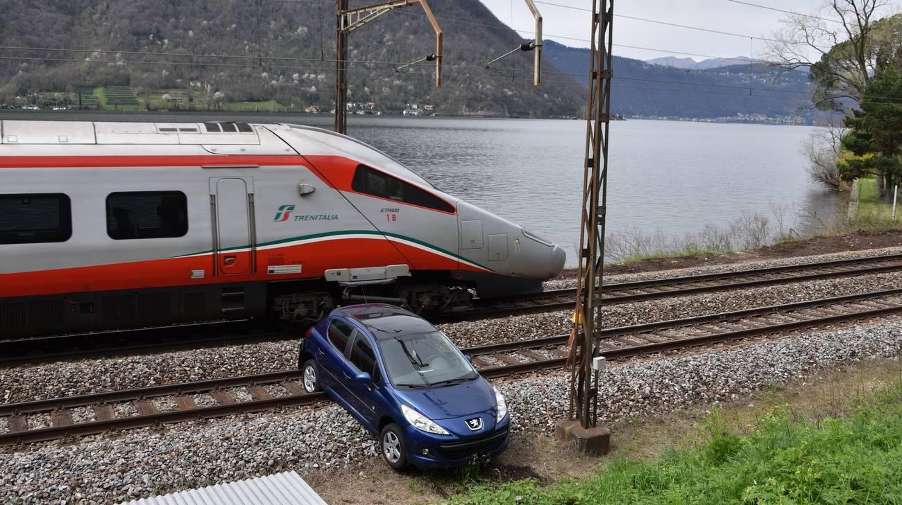 Il treno non ha travolto l'auto