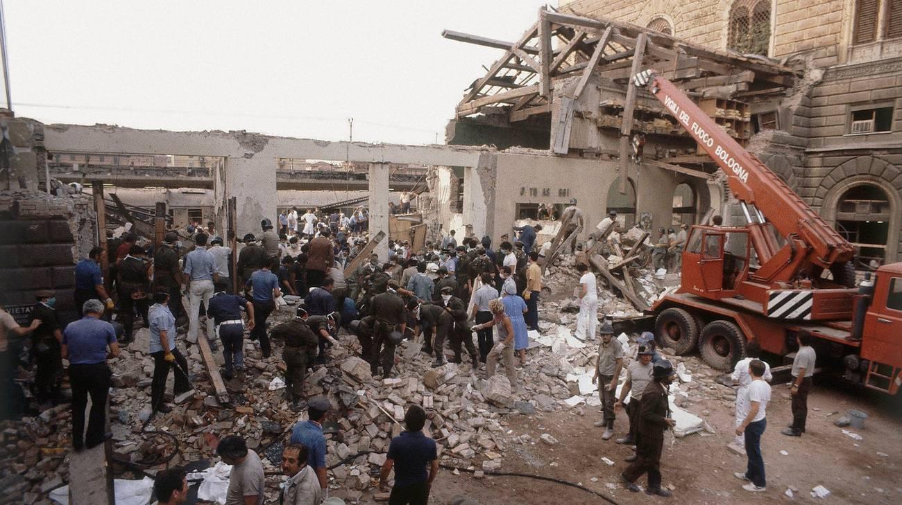 La stazione di Bologna dopo l'esplosione
