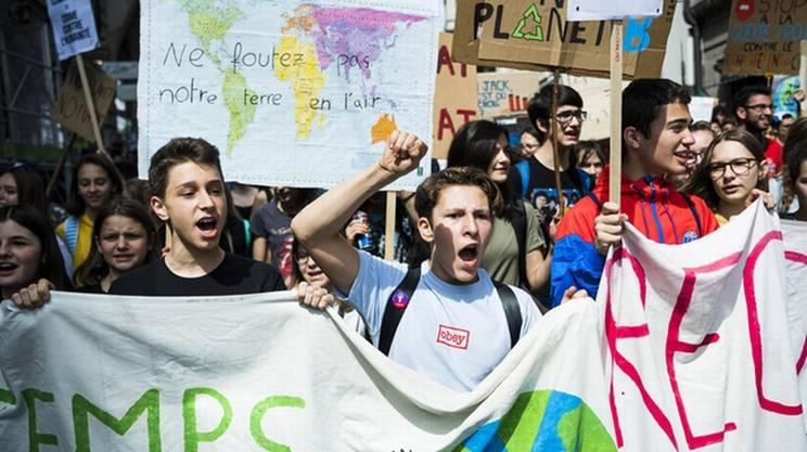 L'attivismo per il clima ha risvegliato l'interesse dei giovani per la politica. E a Neuchâtel si vota per conferire il diritto di voto, in materia cantonale, già a partire dai 16 anni