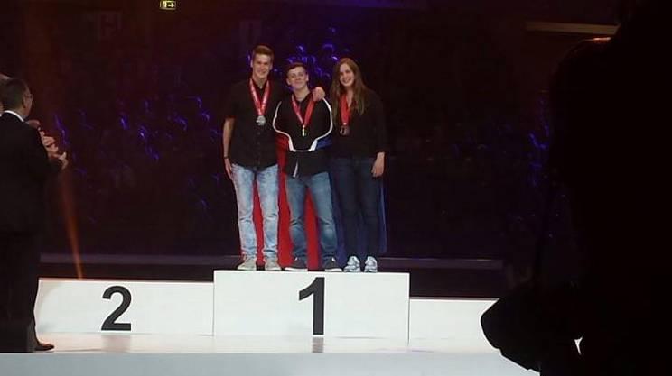 Tre dei ticinesi premiati, Blerton Ahmeti, Martina Soldati e Davide Donati