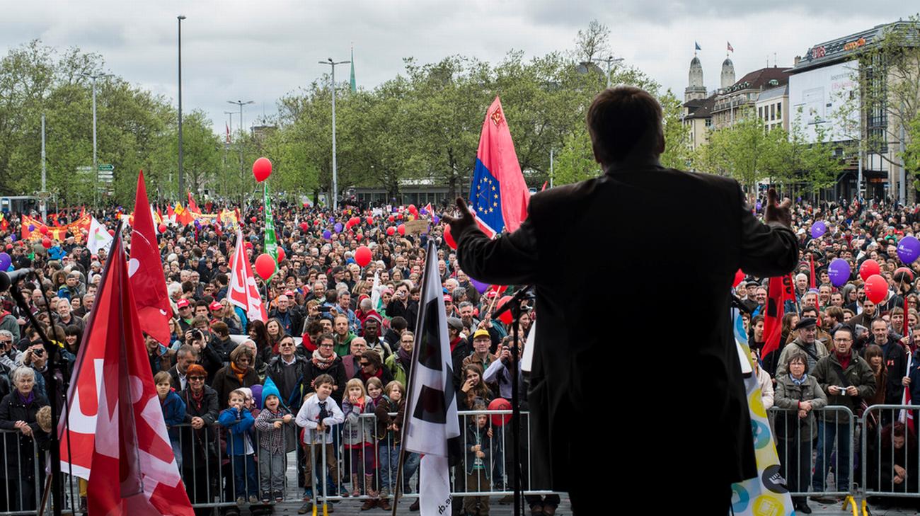 Daniel Lampert invita gli svizzeri ad accettare l'iniziativa sui salari minimi