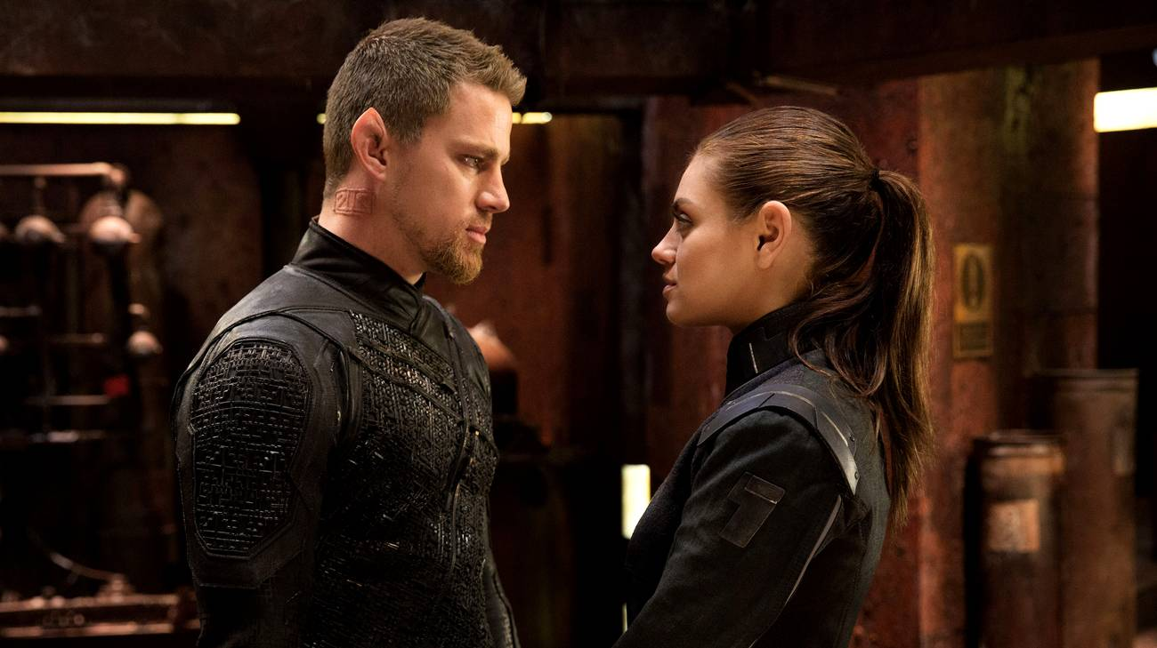 Channing Tatum e Mila Kunis in una scena del film (© 2015 Warner Bros.)