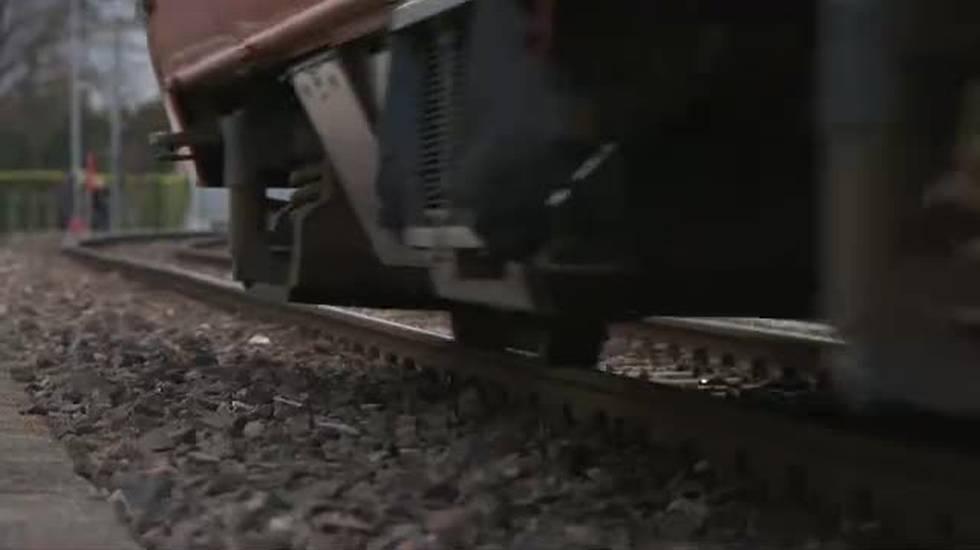 Trascinata dal trenino
