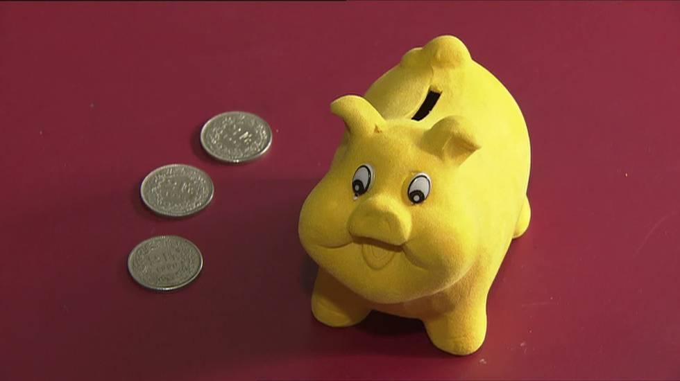 13.11.2014: Un piano contro l'indebitamento. L'indebitamento eccessivo è un problema che riguarda 7 ticinesi su 100. Presentato il piano cantonale di prevenzione per i prossimi tre anni