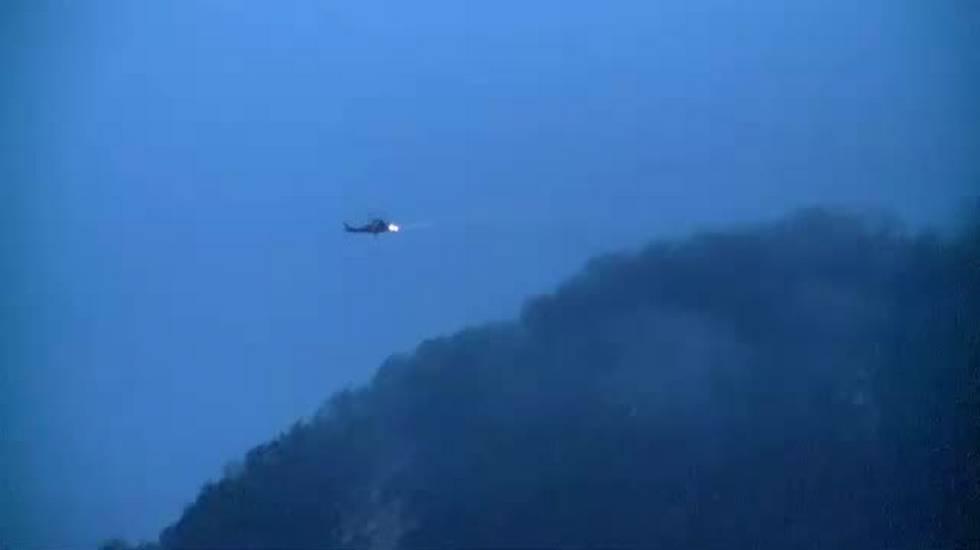 Elicottero precipita nel Varesotto