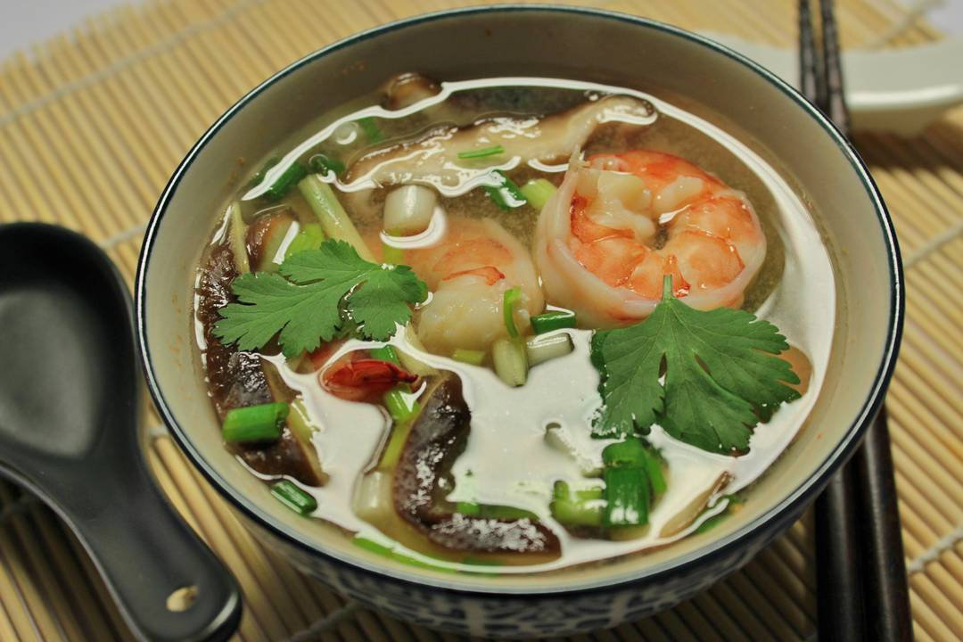 Ricetta Zuppa Thai Con Gamberi.Zuppa Thailandese Tom Yum Rsi Radiotelevisione Svizzera