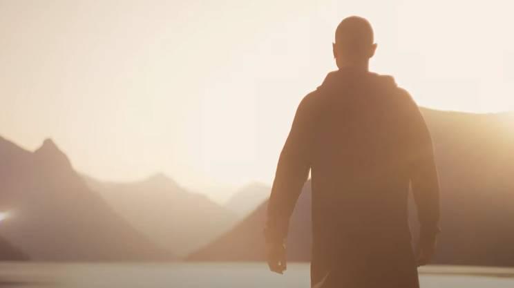 Lo spot girato a Paradiso mostra Cristiano Ronaldo mentre ammira lo spettacolo offerto dal Ceresio
