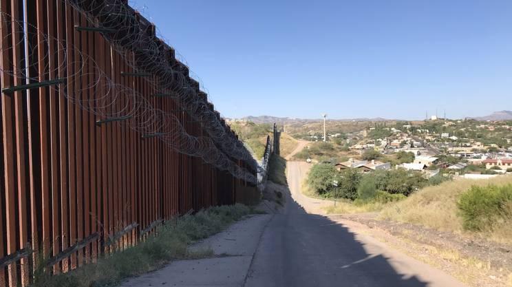 La barriera già esistente a Nogales