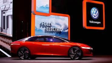 VW spinge sull'auto elettrica