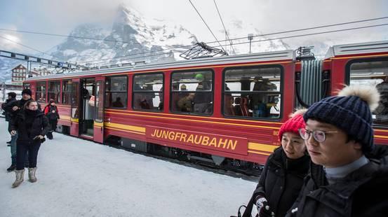 Jungfraubahn diversifica