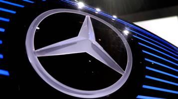 Calo trimestrale per Daimler