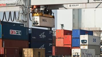 Cresce il commercio estero