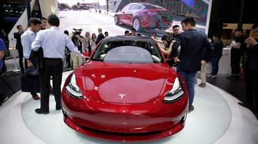 Tesla fabbricherà auto in Cina