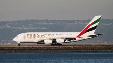 """Emirates """"salva"""" l'Airbus A380"""