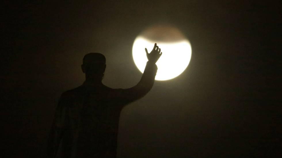 Turismo sulla Luna, l'idea di SpaceX