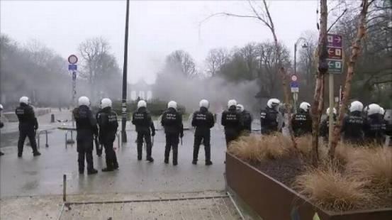 Guerriglia urbana a Bruxelles