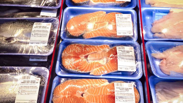 Risultati immagini per salmone taroccato