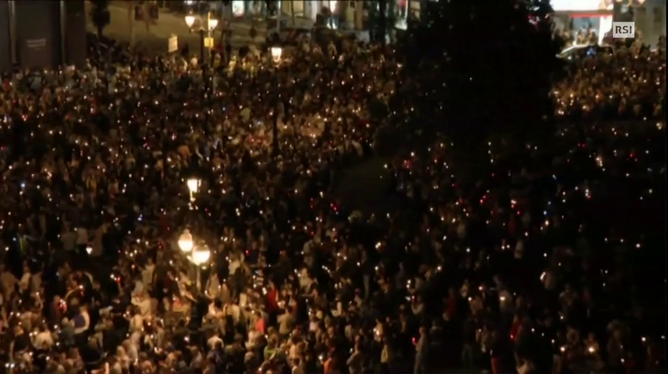 Barcellona: 200'000 in piazza
