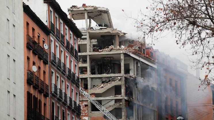 L'edificio sventrato dallo scoppio