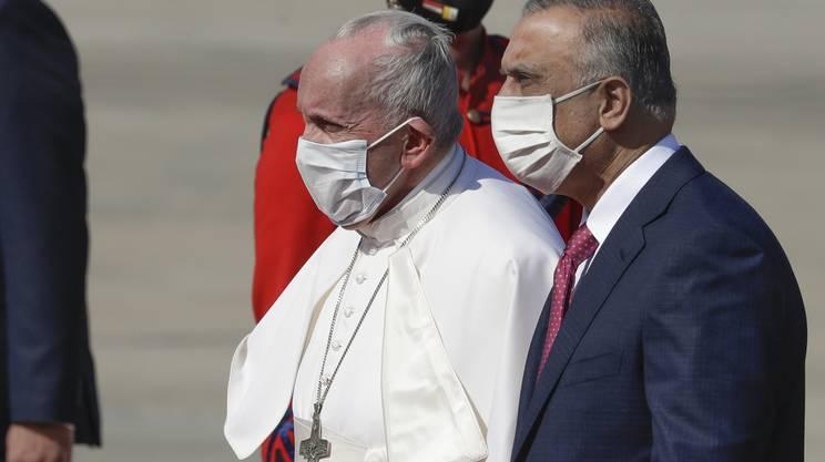 Papa Francesco con il primo ministro iracheno Mustafa Al-Kadhimi