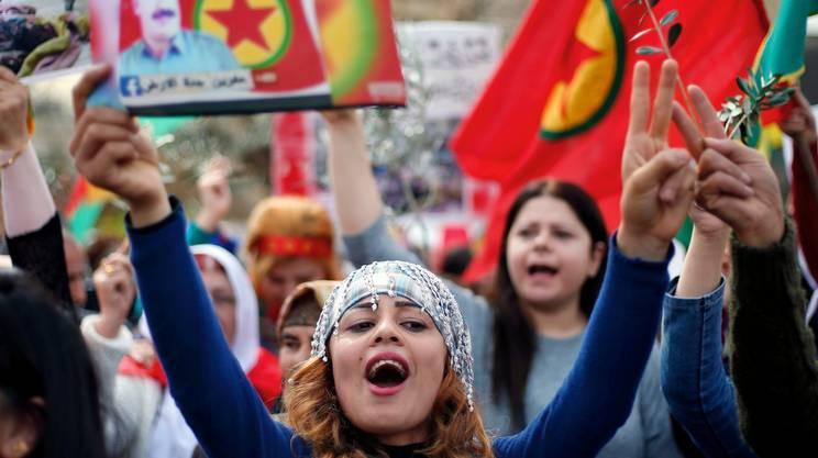 Beirut, Libano: protesta della comunità curda contro la campagna militare di Erdogan nella regione di Afrin