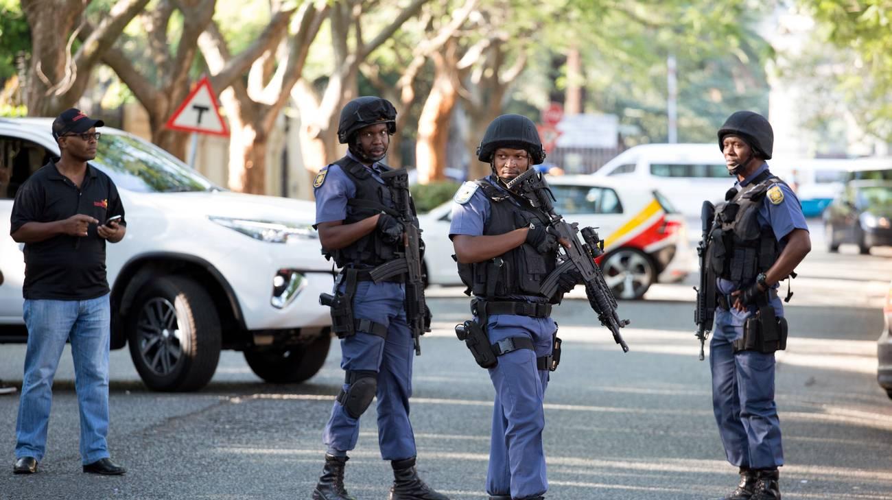 Chiuse le strade intorno alla casa della famiglia Gupta a Johannesburg
