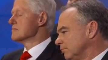 Hillary parla, Bill sonnecchia