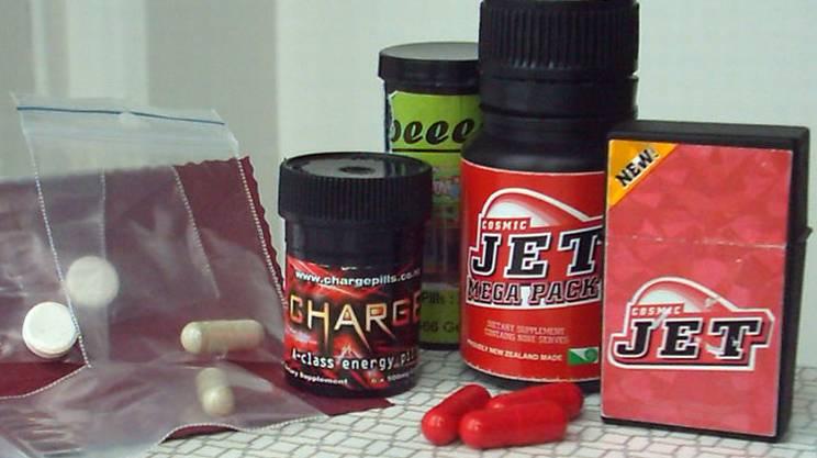 Confezioni vendute online contenenti benzilpiperazina: sostanza che garantisce effetti simili alle anfetamine e all'MDMA