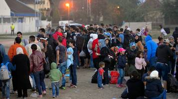 Decine di migliaia di persone giungono in Europa attraverso i Balcani