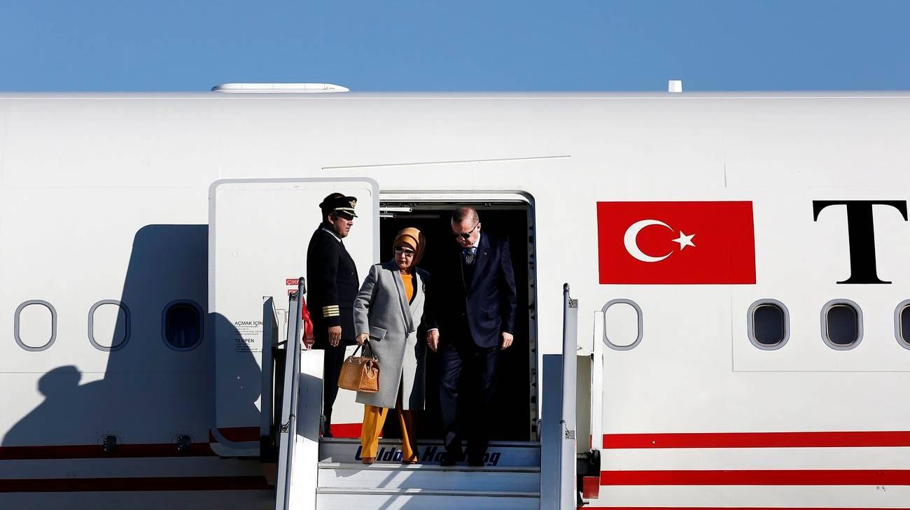 Erdogan e consorte in arrivo ad Atene