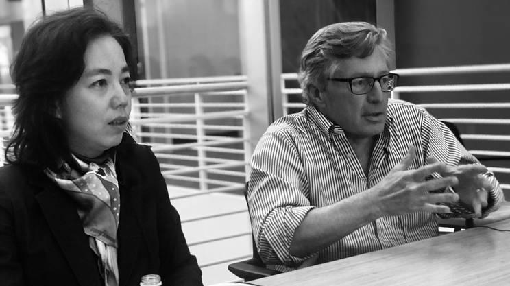 """Fei-Fei Li e John Etchemendi, co-direttori del nuovo """"Istituto per l'intelligenza artificiale centrata sull'uomo"""" dell'Università di Stanford"""