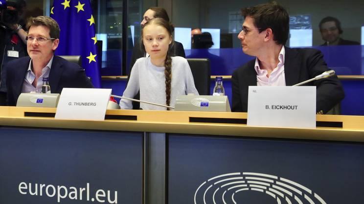 Greta Thunberg ha espresso le sue critiche di fronte alla commissione per l'ambiente del Parlamento europeo
