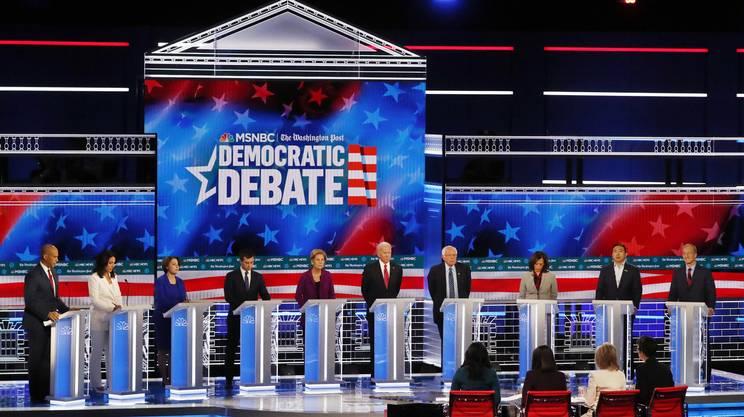I 10 candidati democratici sul palco