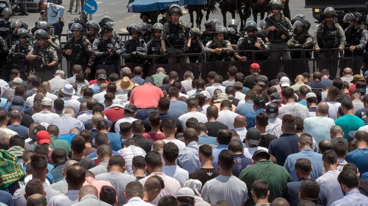 I palestinesi accusano: Tel Aviv ha messo la città in stato d'assedio
