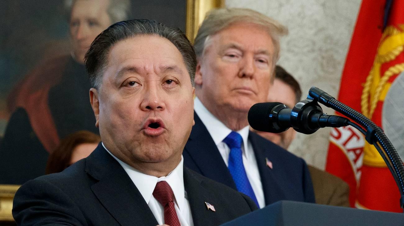 Il CEO di Broadcom, Hock Tan, e il presidente statunitense Donald Trump